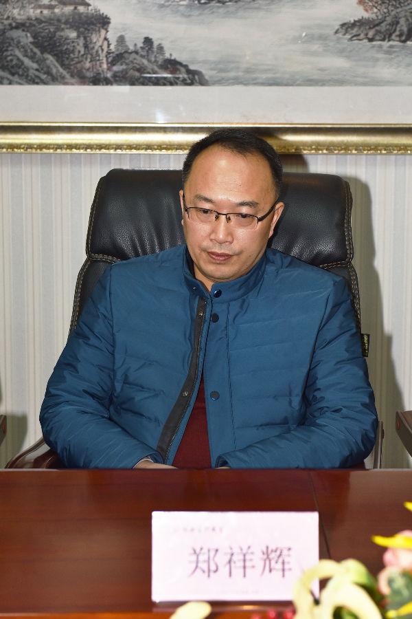 成都龙8娱乐客户端商会工会委员会主席郑祥辉.jpg